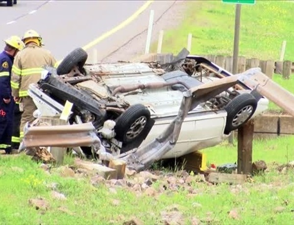 rollover accident_3294795861366162816