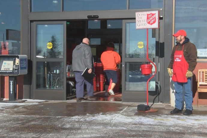 Salvation Army Bell Ringers_-3143881583566173540
