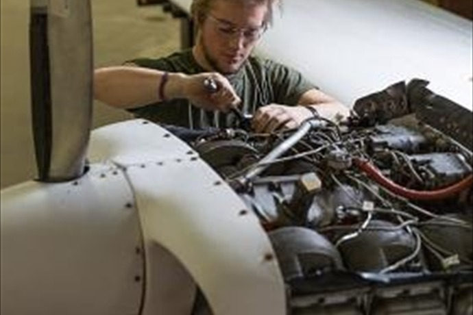 NMU's aviation maintenance technology program_-5271213270211345611