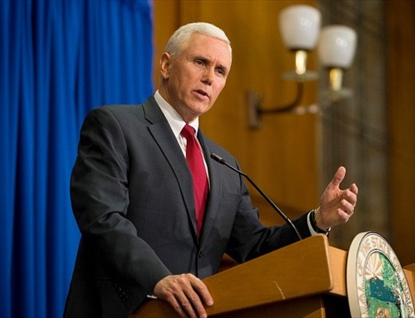 Indiana Gov. Mike Pence Holds Press Conference_548604113405690750