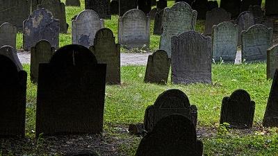 Cemetery--graves-jpg_20150820141205-159532