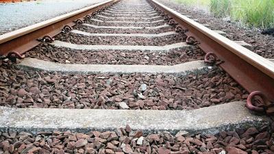 Train--railroad-tracks-generic-jpg_20160718225452-159532