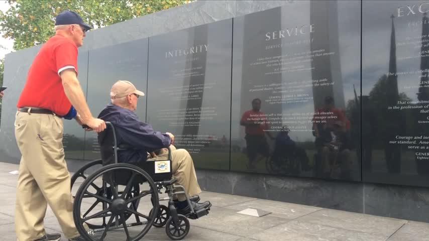 U-P- Honor flight recap in honor of Veterans Day_80755987-159532