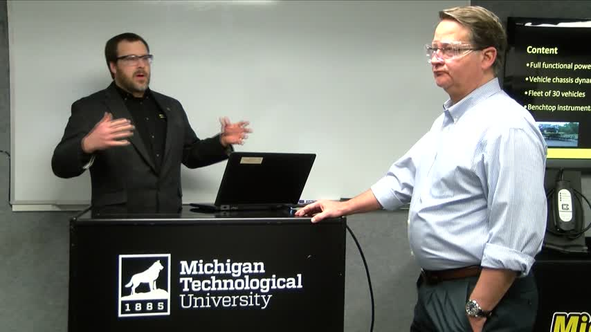 Senator Peters tours MTU Research Center_95271098