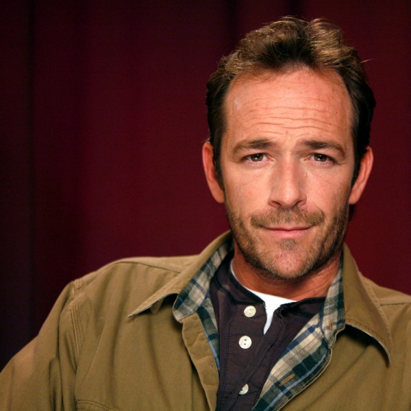 People Luke Perry_1551723852338-873736139