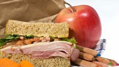 school-lunch-jpg_157961_ver1_20170320230004-159532