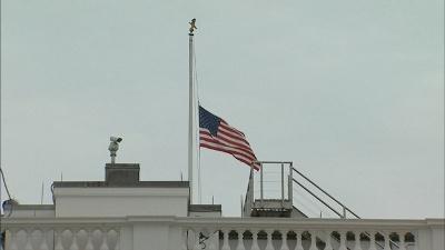 White-House-flag-half-staff-jpg_20150721175736-159532