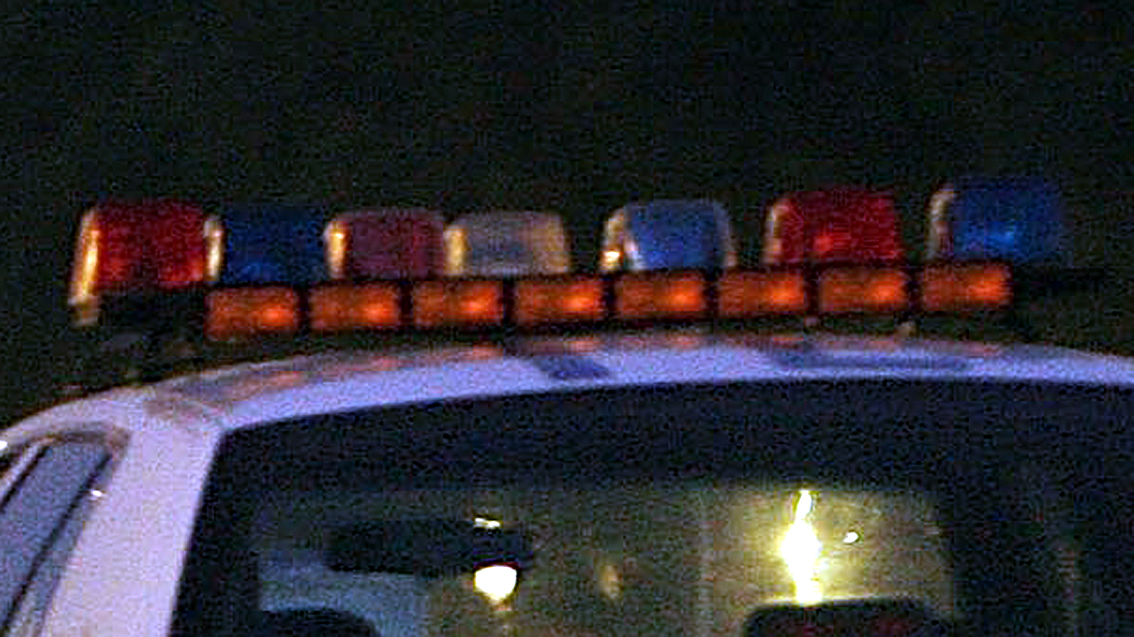 Grainy police lights generic-159532.jpg01364028