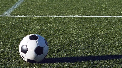 soccer-ball-on-grass-field-jpg_20151110171732-159532